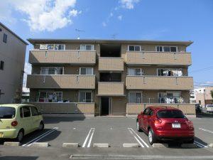 大元小学区の3階建て賃貸アパートです☆