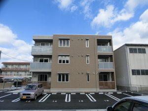 野田3丁目の3階建て賃貸アパートです☆